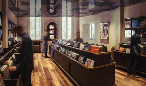 MOVE ON Italian pub & Record store – Firenze, Italia